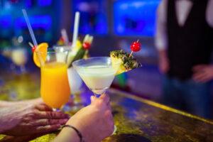 lær at lave lækre cocktails